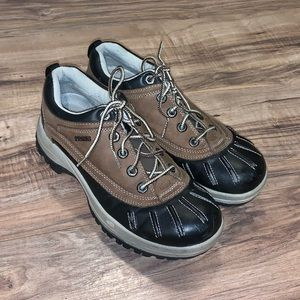 Sketchers Duck Boot Shoes Size 8